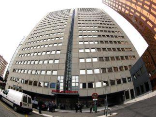 Office adaptation, Correos, Edificio Genesis